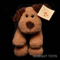 Brown Smooch Dog - 18cm